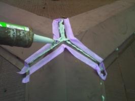 千葉県我孫子市I様邸の外壁塗装と屋根塗装工程:棟包みのコーキング打ち替え(打ち込み)