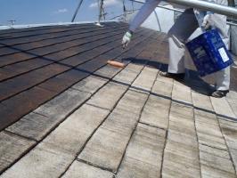 千葉県松戸市S様邸の外壁塗装と屋根塗装工程:下塗り(浸透性下地強化シーラー)
