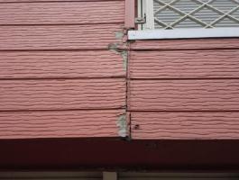 千葉県印西市H様邸の外壁塗装と屋根塗装工程:ベランダ内壁の交換