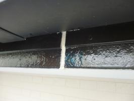 茨城県守谷市I様邸の外壁塗装と屋根塗装工程:コーキング打ち替え
