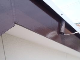 千葉県野田市K様邸の外壁塗装と屋根塗装工程:上塗り2回目(クリーンマイルドシリコン)