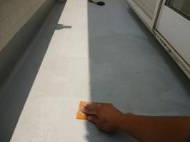 茨城県守谷市I様邸の外壁塗装と屋根塗装工程:下処理(不純物除去、密着向上)