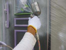 茨城県守谷市I様邸の外壁塗装と屋根塗装工程:下塗り(防錆プライマー)