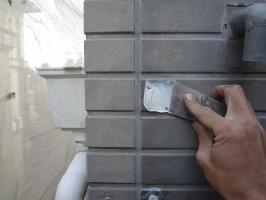 千葉県柏市N様邸の外壁塗装と屋根塗装工程:パテ補修