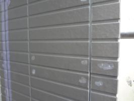 千葉県柏市N様邸の外壁塗装と屋根塗装工程:目地のコーキング剤の打ち替え(撤去)