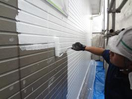 千葉県柏市N様邸の外壁塗装と屋根塗装工程:部分的に下塗り2回目(パーフェクトサーフ)