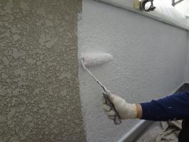千葉県柏市N様邸の外壁塗装と屋根塗装工程:外壁(下塗り)