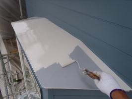 千葉県柏市O様邸の外壁塗装と屋根塗装工程:上塗り1回目(1液ファインシリコンセラUV)