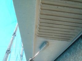 千葉県白井市I様邸の外壁塗装と屋根塗装工程:上塗り1回目(サーモアイSi)