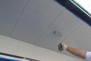 千葉県成田市M様邸の外壁塗装と屋根塗装工程:上塗り2回目(ケンエースGⅡ)