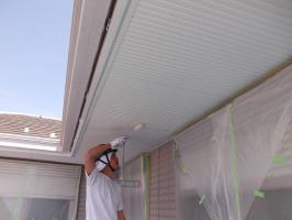 千葉県柏市N様邸の外壁塗装と屋根塗装工程:上塗り2回目上塗り1回目(ファインシリコンフレッシュ)