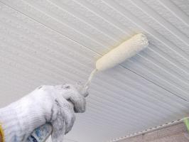 千葉県柏市N様邸の外壁塗装と屋根塗装工程:上塗り1回目(ファインシリコンフレッシュ)