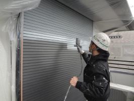 千葉県柏市O様邸の外壁塗装と屋根塗装工程:下塗り(ファインプライマー)