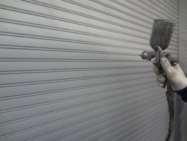 千葉県柏市N様邸の外壁塗装と屋根塗装工程:上塗り(1回目)クリーンマイルドシリコン