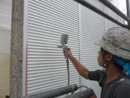 千葉県柏市K様邸の外壁塗装と屋根塗装工程:下塗り(防錆プライマー)
