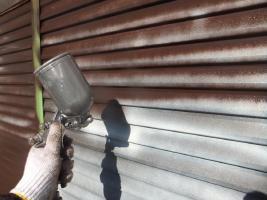 千葉県船橋市U様邸の外壁塗装と屋根塗装工程:上塗り1回目(クリーンマイルドウレタン)