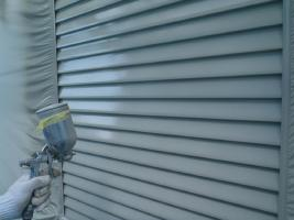 千葉県白井市I様邸の外壁塗装と屋根塗装工程:上塗り2回目(サーモアイSi)