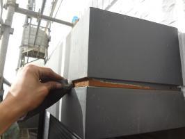 千葉県我孫子市H様邸の外壁塗装と屋根塗装工程:シャッターボックス下処理