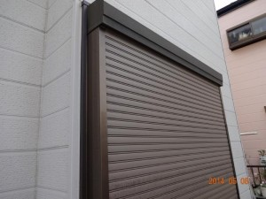 千葉県松戸市 S様邸 外壁塗装と屋根塗装のシャッター塗装の施工前写真