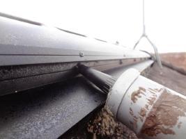 茨城県龍ヶ崎市K様邸の外壁塗装と屋根塗装工程:釘頭のコーキング