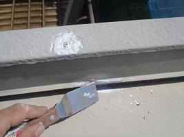千葉県白井市I様邸の外壁塗装と屋根塗装工程:劣化箇所やビスのコーキング処理