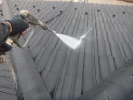 茨城県つくばみらい市の屋根塗装工程の高圧洗浄