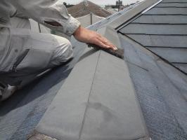 千葉県松戸市S様邸の外壁塗装と屋根塗装工程:板金部の下処理