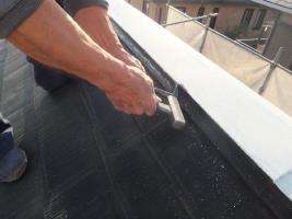 千葉県船橋市の屋根塗装工程の雪止めの板金部のチェック