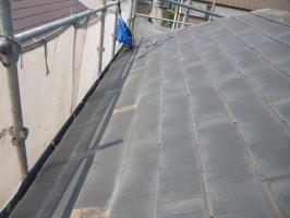 千葉県柏市I様邸の外壁塗装と屋根塗装工程:雪止めの撤去