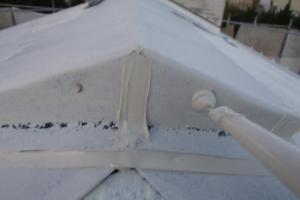 千葉県成田市M様邸の外壁塗装と屋根塗装工程:釘頭のコーキング