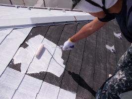 千葉県柏市N様邸の外壁塗装と屋根塗装工程:下塗り2回目(サーモアイシーラー)