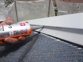 千葉県松戸市S様邸の外壁塗装と屋根塗装工程:釘頭のコーキング