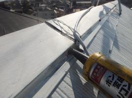 千葉県船橋市の屋根塗装工程の釘頭のコーキング
