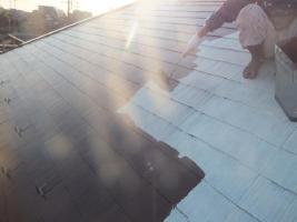 千葉県船橋市の屋根塗装工程の上塗り1回目(サーモアイSi)