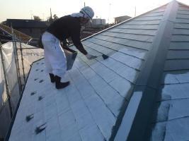 千葉県松戸市の屋根塗装工程の上塗り1回目(サーモアイSi)