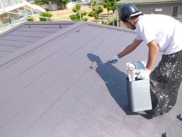 千葉県柏市N様邸の外壁塗装と屋根塗装工程:上塗り2回目(サーモアイ4F)