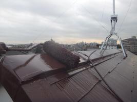 千葉県船橋市の屋根塗装工程の上塗り2回目(サーモアイSi)
