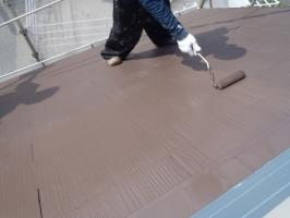 千葉県柏市O様邸の外壁塗装と屋根塗装工程:上塗り2回目 (ファインシリコンベスト)