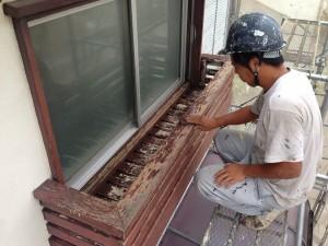 木部塗装のケレン作業1