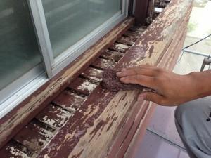 木部塗装、ケレン作業2