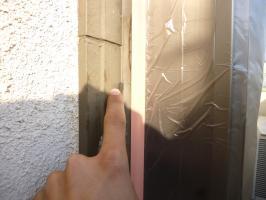 窓周りのコーキング処理