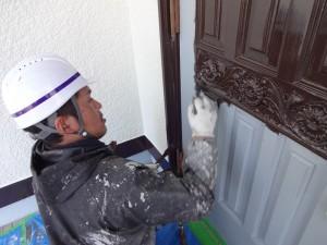 玄関塗装_下塗り