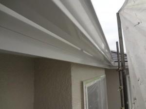 柏市の外壁塗装と屋根塗装の破風板と雨樋の施工後写真