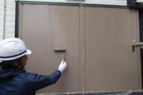 千葉県成田市M様邸の外壁塗装と屋根塗装工程:上塗り2回目(クリーンマイルドシリコン)
