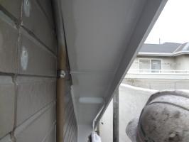 千葉県柏市N様邸の外壁塗装と屋根塗装工程:上塗り1回目(クリーンマイルドシリコン)