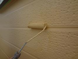 千葉県松戸市S様邸の外壁塗装と屋根塗装工程:上塗り2回目(パーフェクトトップ)