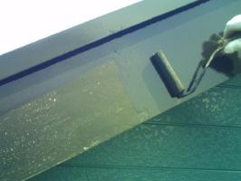 千葉県柏市M様邸の外壁塗装と屋根塗装工程:上塗り1回目(クリーンマイルドシリコン)