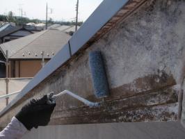 茨城県取手市T様邸の外壁塗装と屋根塗装工程:下塗り(浸透シーラー)