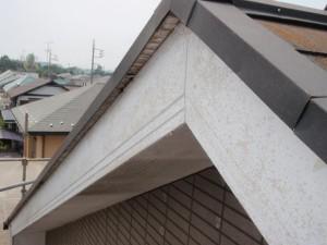 取手市の外壁塗装と屋根塗装の破風板の施工前写真