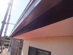 つくばみらい市の外壁塗装と屋根塗装の破風板の施工前写真
